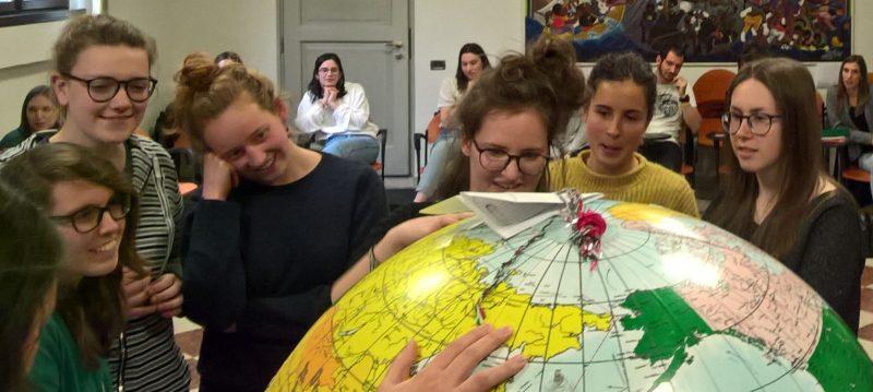 Durante il corso di preparazione all'esperienza estiva in missione organizzato dal Centro Missionario Diocesano